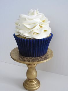 Swiss Meringue Buttercream frosting...different from regular buttercream frosting. Lighter and easy to work with. Holds it's shape nicely.