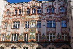 Budapest Art Nouveau | Elementary school, built in 1906. Budapest Jewish Quarter | Architect: Hegedűs Ármin | Mosaic: Vajda Zsigmond & Róth Miksa | Budapest Jewish Quarter | Dob utca | via elinor04 on flickr