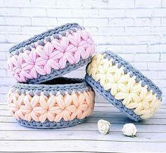 Arteira Yarn Projects T Shirt Yarn Baskets Amigurumi Elsa Love Crochet Knitting Baby Crochet Case, Crochet Bowl, Crochet Storage, Crochet Basket Pattern, Knit Basket, Knit Crochet, Crochet Patterns, Crochet Stitch, Yarn Projects