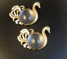 Signed Coro Pair of 1945 Sterling Jelly Belly Swan Brooches these stones are called jelly bellies