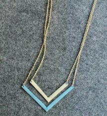 Embrace the chevron motif trend with this Simple Chevron Necklace. So chic! Trendy Jewelry, Jewelry Trends, Jewelry Accessories, Jewelry Design, Jewelry Ideas, Jewelry Box, Wooden Jewelry, Beaded Jewelry, Handmade Jewelry