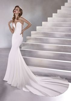 Wedding Dress LUX by Pronovias - Search our photo gallery for pictures of wedding dresses by Pronovias. Find the perfect dress with recent Pronovias photos. Sweetheart Wedding Dress, Mermaid Wedding, Mermaid Sweetheart, Lela Rose, Pronovias Wedding Dress, Trumpet Dress, Wedding Dress Pictures, Ferrat, Dress Out