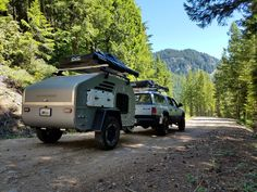Oregon Trail'R Home Page: See pictures of our Teardrop Trailers and learn more about each model. Tiny Camper, Camper Caravan, Tiny Trailers, Travel Trailers, Offroad, Overland Trailer, Dodge Dakota, Truck Camping, Teardrop Trailer