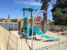 Rosslare Park Mindarie small fully fenced playground at beautiful swimming spot for littlies. Find out how far this playground is from your current location and get a map to take you there with the Kids Around Perth app available from Google Play or the App Store
