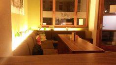 Tolle kulinarische Variationen zu günstigen Preisen begegnen einem im Le Kaschemme (non Established) – ein Kleinod der Kulinarik, durchmischt mit einer angenehmenPortion St. Pauli wie es die…