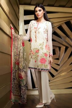 56 Best Lawn Images Indian Gowns Pakistani Outfits Pakistani Suits