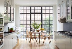 Drew-Lang-Carroll-Gardens-townhouse-remodel-Ty-Cole-photo-Remodelista-4