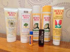 A fabulous bundle of Burt's Bees products on The Awkward Magazine (enter before 04/11)