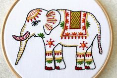 Fantastic Photos animal Embroidery Patterns Ideas Adornments has been around forever—and that's barely an exaggeration. It has the root base are o Hand Embroidery Videos, Learn Embroidery, Hand Embroidery Stitches, Modern Embroidery, Embroidery Patterns, Hand Stitching, Diy Bordados, Flower Embroidery Designs, Couture