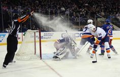The exact moment play was suspended due to an ice wizard on the rink: | The 32 Greatest Moments In The History Of Timing