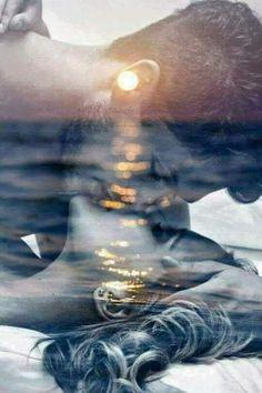 CAMISA DE FORÇA  Visão para fronte Não quero mais apreciar Basta olhar adiante Obcecação Presentar Toda hora Todo minuto A cada segundo Seu amor consagrar-me Luz da minha vida Ficção  Encarnação da minh'alma Quimeras Insensatez  Prenda-me  Acasala-me Enrola-me Envolva-me  Na sua camisa de força Outra vez...    MárciaMarko