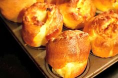 Our Yorkshire pudding recipe is foolproof and it's cheap, quick and easy. It's also super tasty and is an absolute essential for your Sunday roast. Best Yorkshire Pudding Recipes, How To Make Yorkshire Pudding, Yorkshire Pudding Tray, Easy Home Cooked Meals, No Cook Meals, Easy Pudding Recipes, Cake Recipes, Freezer Cooking, Cooking Recipes