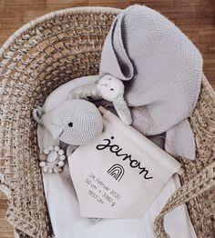 Geburtsdaten Wimpel Regenbogen Deko Geschenk zu Geburt Winter Hats, Teddy Bear, Toys, Animals, Deko, Rain Bow, Animales, Animaux, Animais