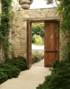 Would love to have this as an outdoor entryway to a courtyard. Would love to have this as an outdoor entryway to a courtyard. Landscape Design, Garden Design, House Design, Outdoor Spaces, Outdoor Living, Casa Patio, Design Exterior, Courtyard House, Courtyard Entry
