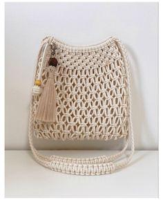 Macrame Wall Hanging Patterns, Macrame Patterns, Macrame Purse, Macrame Jewelry, Micro Macramé, Macrame Design, Macrame Projects, Crochet Handbags, Handmade Bags