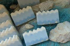 Jak zrobić domowe naturalne mydło wyglądające jak morskie fale przy użyciu 1 barwnika? Diy, Bricolage, Do It Yourself, Homemade, Diys, Crafting