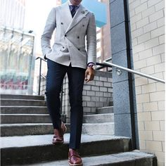 Tag a friend who'd look great in this!  #mensfashion_guide