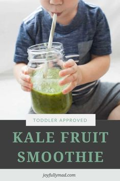 This toddler smoothie has kale and fruit and is the perfect morning treat! It's packed with fruits and vegetables, refined sugar and dairy-free, and so tasty! The whole family will love this easy smoothie recipe. Toddler Smoothie Recipes, Toddler Smoothies, Easy Smoothies, Toddler Meals, Toddler Food, Toddler Muffins, Unsweetened Applesauce, Summer Treats