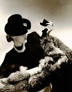 Fur, pearls and diamonds, 1940 Horst P Horst