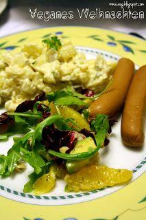 Reginas Weihnachtsessen vereint verschiedene Traditionen - Wiener mit Kartoffelsalat und Feldsalat mit Orange und Walnuss