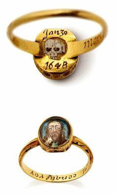 Memorial ring (Memento Mori ring) dating from the century, commemorating King Charles ~ Ongelofelijk een paar eeuwen oud! Mourning Ring, Mourning Jewelry, Antique Rings, Antique Jewelry, Vintage Jewelry, Filigree Jewelry, Gold Filigree, Antique Gold, Medieval Jewelry