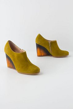 Will someone please buy these for me? They're my daily #Anthropologie must-have in the form of green boots. #shoes #drool