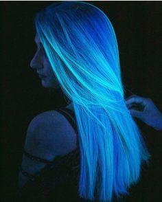 Neon Hair Color, Cute Hair Colors, Pretty Hair Color, Hair Dye Colors, Glow Hair, Aesthetic Hair, Rainbow Hair, Ombre Hair, Dyed Hair