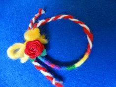Мартеница гривна с розичка, вълна и цветни конци, вълна, филц, прежда, Мартеница гривна с розичка, вълна и цветни конци. Може да се комбинира заедно с гердан в същия вид. Chorme Nails, Food Humor, Funny Food, Baba Marta, Pom Pom Crafts, Paper Flowers, Crochet Baby, Crochet Projects, Projects To Try
