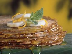Thailändische Bananen-Pfannkuchen ist ein Rezept mit frischen Zutaten aus der Kategorie Pfannkuchen. Probieren Sie dieses und weitere Rezepte von EAT SMARTER!