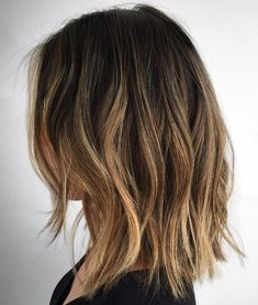 70 Brightest Medium Layered Haircuts to Light You Up - Long Disconnected Choppy Bob - Pelo Midi, Medium Hair Styles, Short Hair Styles, Medium Length Hair Cuts With Layers, Long Bob With Layers, Long Bob Haircuts With Layers, Medium Length Hair With Layers Straight, Medium Layered Haircuts, Medium Choppy Hair