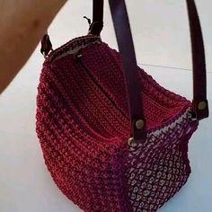 Crochet Handbags, Crochet Purses, Crochet Bags, Crochet Backpack Pattern, Crochet Blanket Patterns, Crochet Stitches Free, Crochet Video, Crochet Market Bag, Fabric Bags