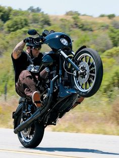2004 Harley-Davidson Dyna Super Glide Sport This is really super
