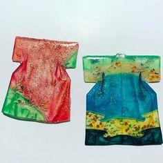 アメリカの親戚のお土産にと、過去に作った作品をラメったら見事にラメりすぎて失敗したよの巻。 #引き継ぎもままならぬなのに今夜は接待だった #準備全然できてない #時間がない #shrinkplastic#プラバン#レジン#ハンドメイド#Handmade#アクセサリー#Accessories #キーホルダー#バッグチャーム#kimono #色鉛筆#手描き#着物#プラ板 Shrink Plastic, Summer Dresses, Ideas, Fashion, Moda, Summer Sundresses, Fashion Styles, Fashion Illustrations, Fashion Models