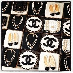 Beautiful Chanel Cookies Cupcakes, Cupcake Cakes, Iced Cookies, Sugar Cookies, Chanel Cookies, Chanel Birthday Cake, Bolacha Cookies, Chanel Party, Sugar Cookie Frosting