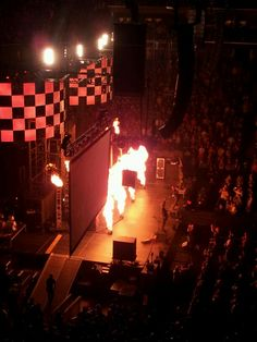 I don't remember anything from the Winter Jam except KABOOOM by RED.