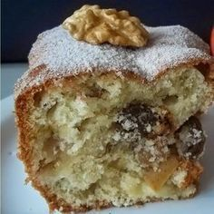 Como preparar bolo de maçã: Bolo de maçã: Ingredientes Ingredientes usados: 4 maçãs verdes médias descascadas e raladas no ralo grosso, 1 colher (sobremesa) de canela em pó, 1 colher (sobremesa) de essência de baunilha, 2 xícaras (chá) de açúcar refinado, 1 colher (sobremesa) de bicarbonato de sódio, 1 pitada de sal, 2 ovos …
