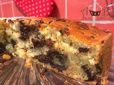 Immaginate di addentare una torta morbidissima, con pezzi di cioccolato, che si scioglie in bocca. Immaginate ora di poterla preparare in pochi minuti!
