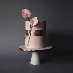 15 Modern Sculptural Wedding Cakes - 100 Layer Cake In 2019 Blush Wedding Cakes, Fondant Wedding Cakes, Floral Wedding Cakes, Floral Cake, Wedding Cake Designs, Fondant Cakes, Cupcake Cakes, Modern Wedding Cakes, Unusual Wedding Cakes