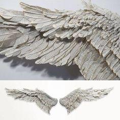 Quando l'Arte incontra il riciclo  Susan Hannon, ali di carta ❤️ susanhannon.com #riusaconamore #art #arte #carta #paper #paperart #paperartist #ali #angel #angeli #recycle #reciclaje #riciclocreativo