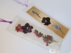 Victorian Botanical Bookmarks Gold White by RiverStonesFiberArts bookmarks flowers Flower Preservation, How To Preserve Flowers, Flower Crafts, Dried Flowers, Bookmarks, Hair Accessories, Victorian, Tags, Unique Jewelry