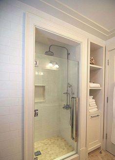 Best Modern Bathroom Shower Ideas For Small Bathroom Small Bathroom With Shower, Tiny House Bathroom, Bathroom Design Small, Bathroom Renos, Bathroom Renovations, Small Bathrooms, Bathroom Cabinets, Basement Bathroom, Simple Bathroom