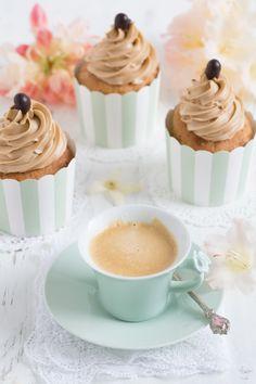 Kaffee Cupcakes & Espresso | Lisbeths Espresso Cupcakes, Oreo Cupcakes, Espresso Cake, Coffee Cupcakes, Cupcake Cookies, Coffee Type, Tiramisu, Best Italian Recipes, Coffee Subscription