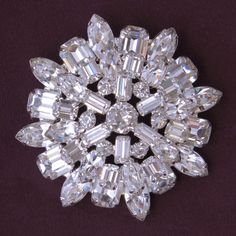 Weiss Clear Rhinestone Layered Dimensional Brooch Pin