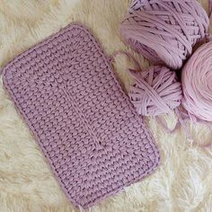 Half Moon Rugs - 10 Stylish Crochet Designs for a Personal Touch Crochet Basket Pattern, Granny Square Crochet Pattern, Crochet Granny, Crochet Motif, Crochet Designs, Crochet Stitches, Knit Crochet, Crochet Patterns, Crochet Home