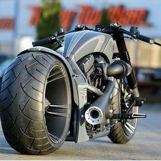 You will not think of a garage-built project when you see the Hog from Thunderbike Dragster RSR, but Vrod Harley, Harley Bikes, Harley Davidson Motorcycles, Kawasaki 250, Kawasaki Zx6r, Kawasaki Ninja, Custom Street Bikes, Custom Bikes, Moto Bike