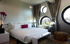 Unique and Compelling Round Windows for Every Room Nyc Hotels, New York Hotels, Home Interior, Interior Architecture, Interior Design, Dream Downtown Nyc, Wooden Window Design, Interior Wallpaper, Wallpaper Online