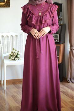 Dubai Fashion, Abaya Fashion, Muslim Fashion, Modest Fashion, Skirt Fashion, Fashion Dresses, Cute Lazy Day Outfits, Vintage Inspired Outfits, Hijab Dress