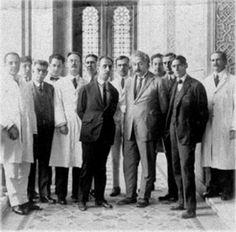 Adolfo Lutz, Carlos Chagas e Albert Einstein.  Fonte: http://qga.com.br/mundo/2014/06/essas-fotos-raras-vao-revolucionar-sua-visao-sobre-o-passado