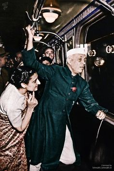 Colorized this photo of Indira Gandhi and Jawaharlal Nehru in the Moscow subway USSR (1955)