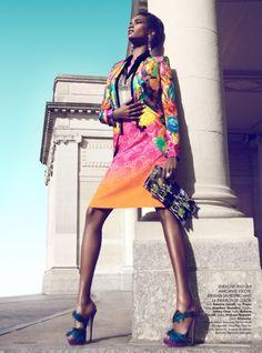 Editorial da Harper's Bazaar México de maio 2012 com a modelo Arlenis Sosa, fotografada por Kevin Sinclairt e styling de Andrew Holden.